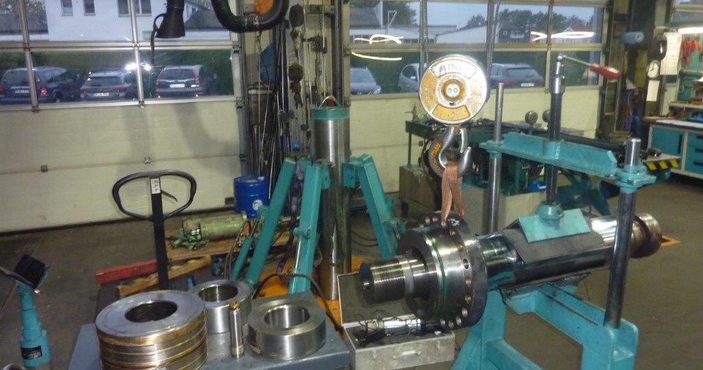 2. Industriezylinder Demontage